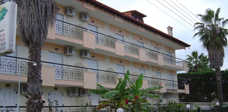 Theramvos apartments Polichrono Halkidiki